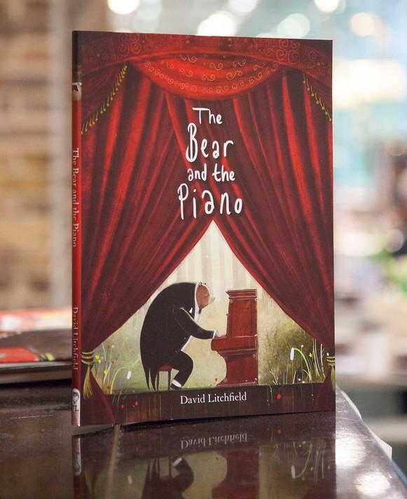 David - bear and piano